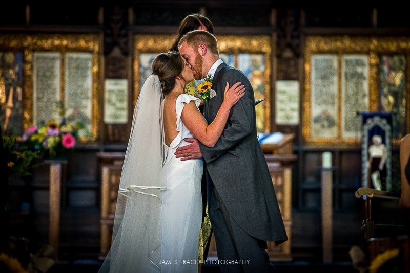 WHITE HART LYDGATE WEDDING PHOTOGRAPHY KATY AND JON-26
