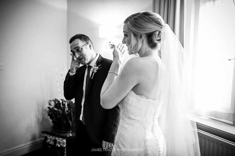 father of the bride seeing his daughter for the first time