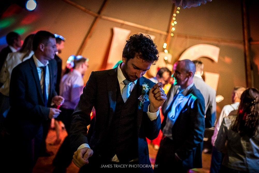 groom bopping away