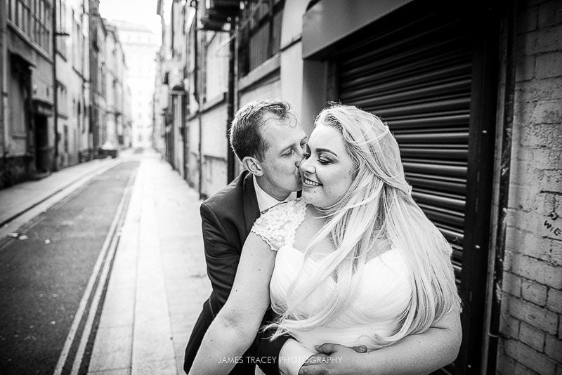 wedding couple in back alleyway
