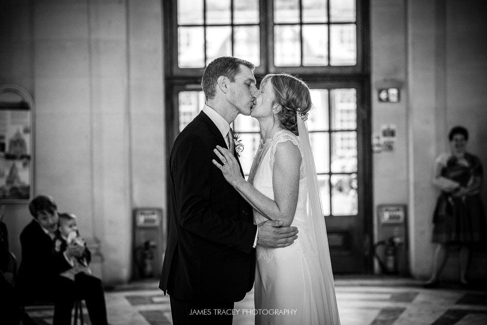first kiss at ashton memorial