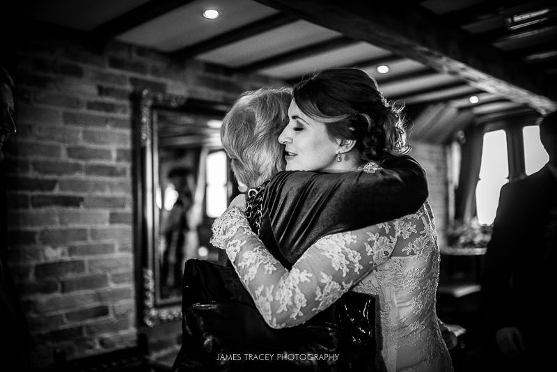 hugs at swancar farm wedding