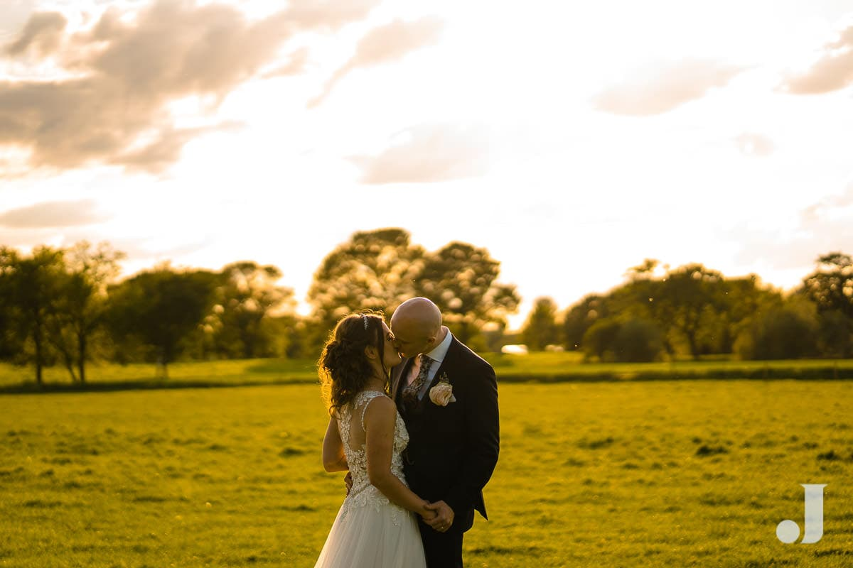 wedidng couple ay merrydale manor sunset