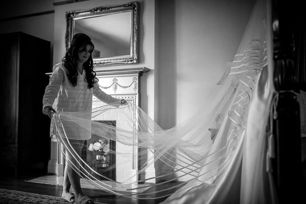 bride opening her viel