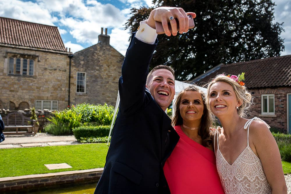 weddings selfie at priory cottages