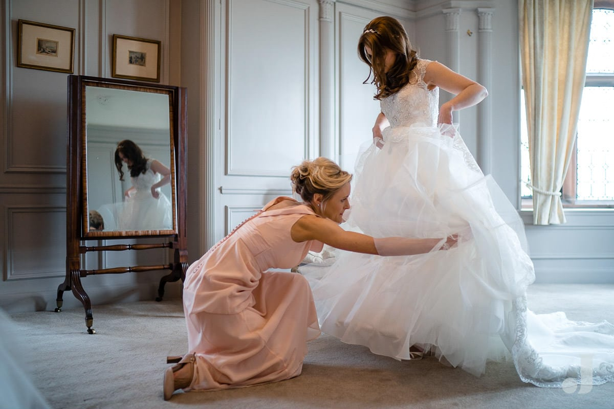 bride getting ready at Thornton Manor