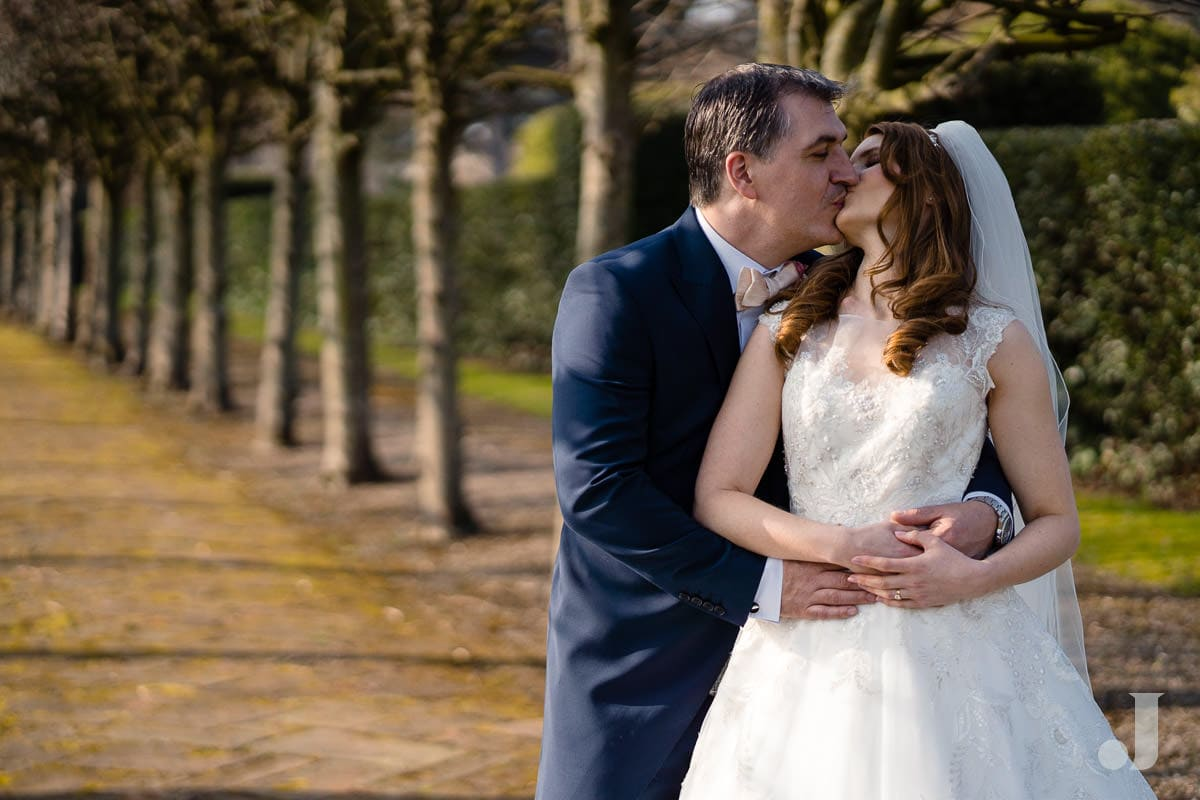 wedding couple photos at Thornton Manor